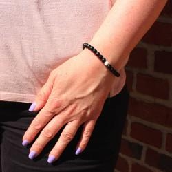 Armband mit Steinperlen schwarz/weiß