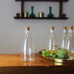 Glasflasche mit Korkverschluss