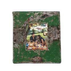 Bilderrahmen aus Metallfässern grün für Passbilder