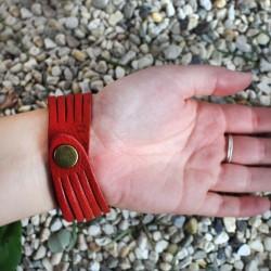 Armband aus Recycling-Leder in rot Tira aus Indien