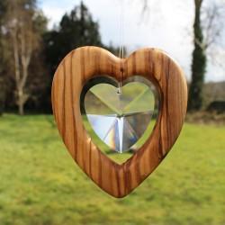 Fensterdeko Herz groß aus Olivenholz | Herz mit Bleikristall