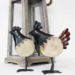 Huhn aus Metall und Holz