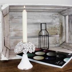 Kerzenständer rustikal mit Blumen, weiß