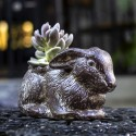 Blumentopf aus Ton, Hase sitzend braun
