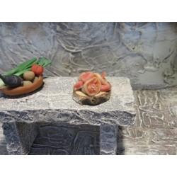 Fleischstücke auf Holzpatte